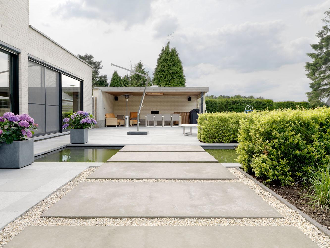 Moderne tuin laten aanleggen moderne tuinen voorbeelden tuin modern - Fotos terras ...