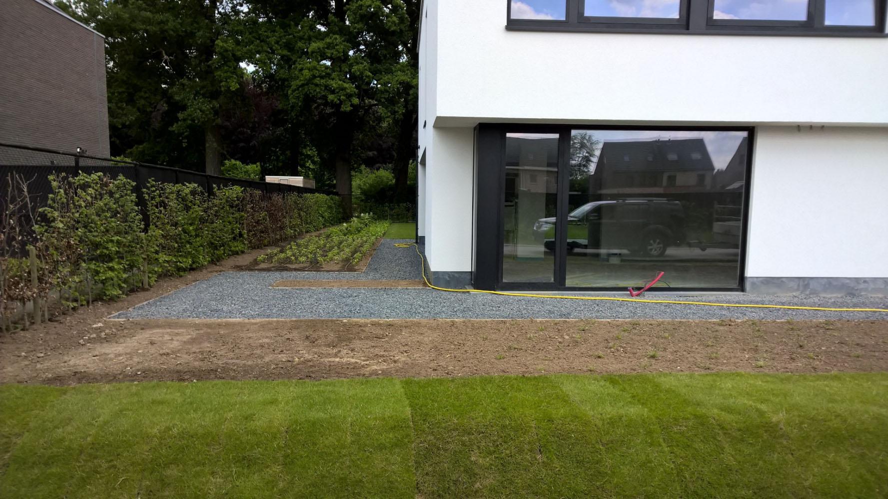 Moderne tuin laten aanleggen moderne tuinen voorbeelden tuin modern - Moderne tuinfoto ...