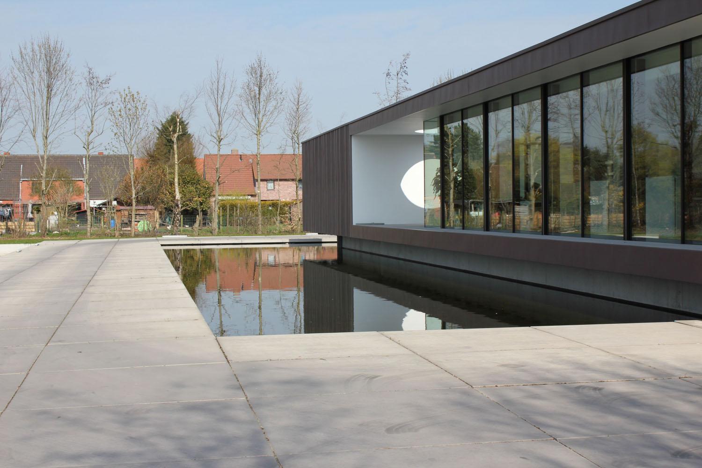 Moderne tuin laten aanleggen moderne tuinen voorbeelden tuin modern - Foto moderne inbouwkeuken ...
